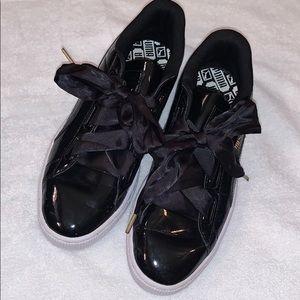 Puma Ribbon Lace Patent Tennis Shoe Sneaker Sz 10